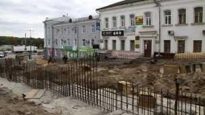 Ремонт лестницы в Брянске на бульваре Гагарина споткнулся о старые сети