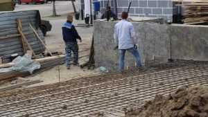 В Брянске на бульваре Гагарина построили первые парапеты