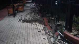 Депутат Кубарев объяснил провал плитки после ливня на набережной в Брянске