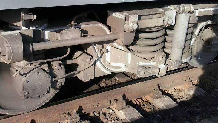 В Брянске товарный поезд отрезал ногу 13-летнему подростку