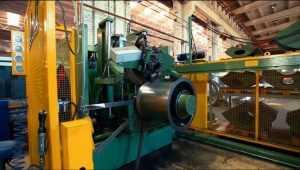 На брянском заводе 21-летнего рабoтника разрубило вентилятором