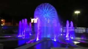 В Брянске сняли видео пробного запуска музыкального фонтана на набережной