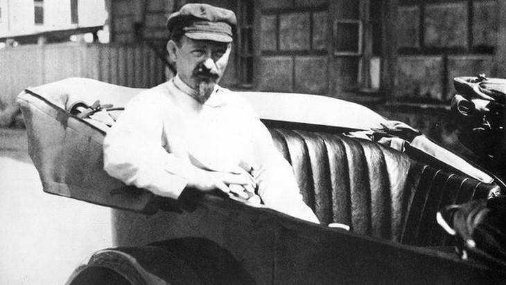 В Брянске увековечили память «кровавого большевика» Дзержинского