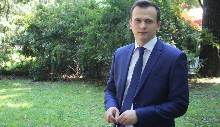Лидер брянского отделения ЛДПР Семенов ударил по красным