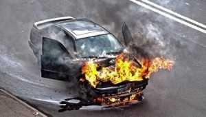 В Брянске на Литейной улице сгорел легковой автомобиль