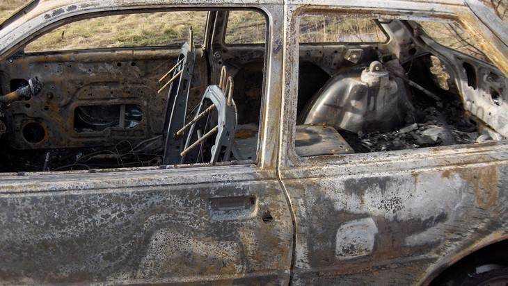 В Злынке спасатели за минуту потушили горевшую «Мазду»