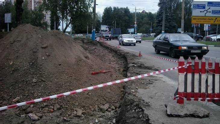 В Брянске дорогу на улице Крахмалева расширят до 5 полос движения
