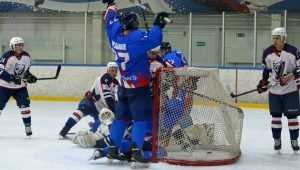 Хоккейный «Брянск» открыл сезон победой над «Северскими волками»
