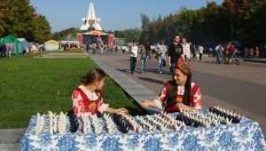 Брянскую мастерицу признали лучшей на городской ярмарке ремёсел