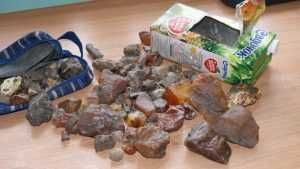 В Брянске задержали украинца с 2 килограммами янтаря