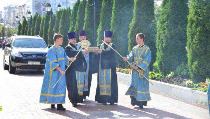 В Брянск доставили ковчег с частью пояса пресвятой Богородицы