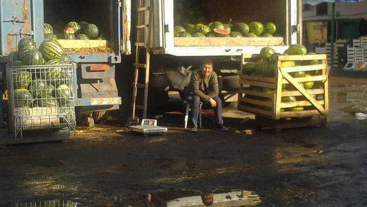 В Брянске на овощном рынке созрел бунт рабов