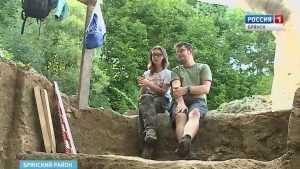 Немецкие археологи увезли в Германию находки из древнего брянского села