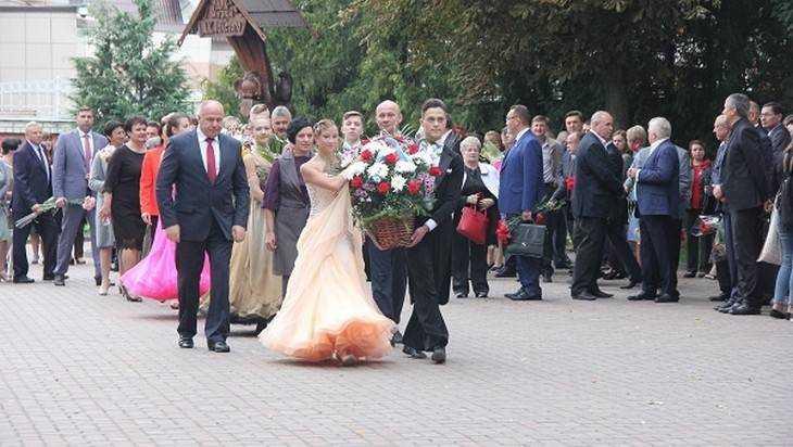 Брянцы начали праздновать 200-летие со дня рождения Алексея Толстого