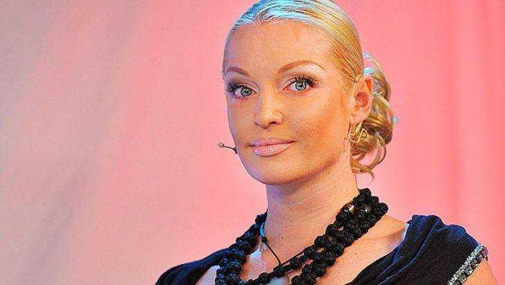 Анастасия Волочкова обвинила брянскую домработницу в предательстве
