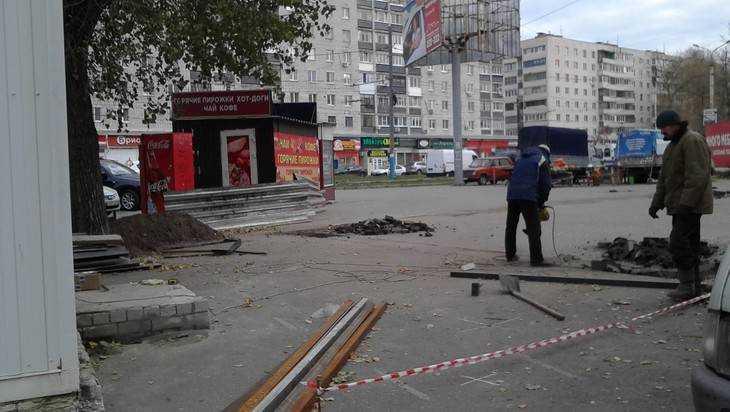 В Брянске показная борьба с киосками продолжилась установкой новых