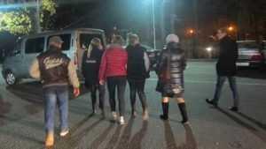 В Брянске 7 подростков отловили за нарушение «комендантского часа»