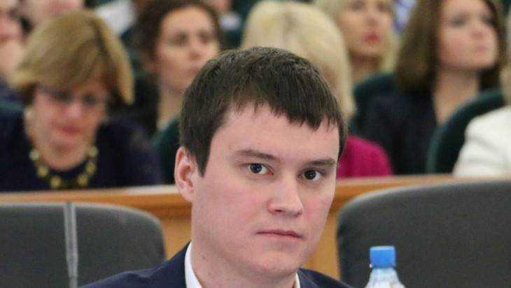 Брянскую думу пополнил попавший в скандал 28-летний депутат