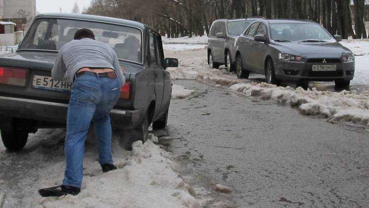 ГИБДД еще раз призвала брянских водителей сменить летние шины