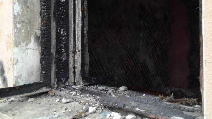 В Брянске на улице Красной гвардии случился пожар в общежитии
