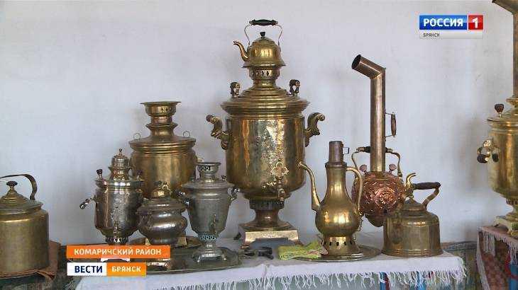 Брянец создал в своём доме уникальный музей старинных самоваров