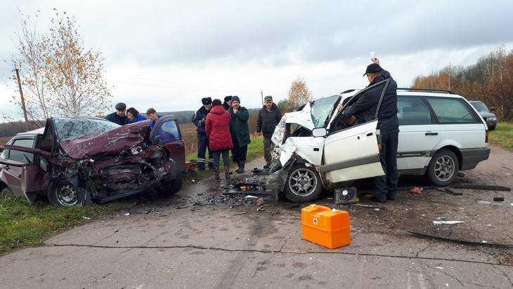 В Брянской области в страшном лобовом столкновении погибли молодые сестры