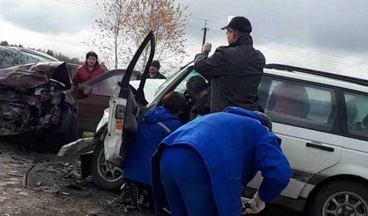 В катастрофе на пустынной брянской дороге погибли две 23-летние сестры