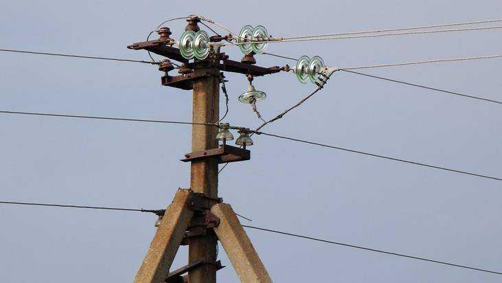 В Навлинском районе после урагана восстановили энергоснабжение 8 сел