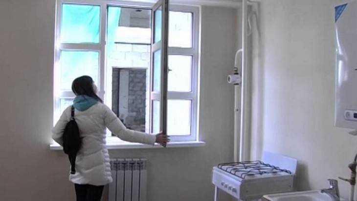 Брянская сирота в 5-летней борьбе за квартиру победила чиновников