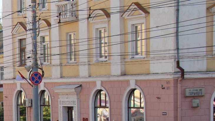 В Брянском ЗАГСе ответили на обвинения в свадебных мучениях