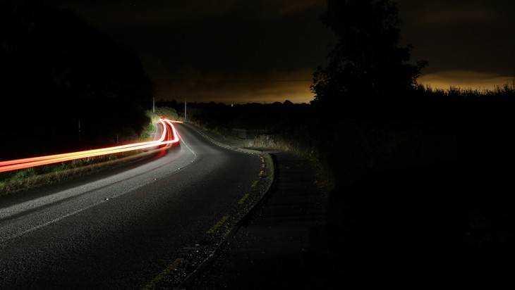 Водителей предупредили о кромешной тьме на дороге под Брянском