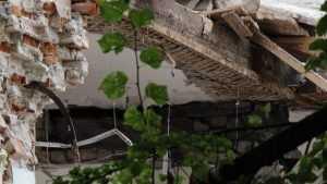 Прокуратура потребована снести аварийный Дом быта в Клинцах