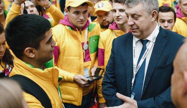 Брянский губернатор окунулся в мир фестиваля молодежи в Сочи