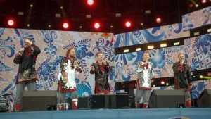 Брянский ансамбль «Бабкины внуки» спел на Всемирном фестивале в Сочи