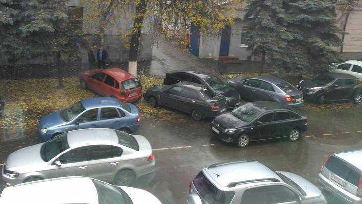 Брянские водители взвыли после перекрытия въезда в Круглый сквер