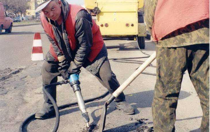 Власти пообещали завершить ремонт дворов Брянска к концу недели