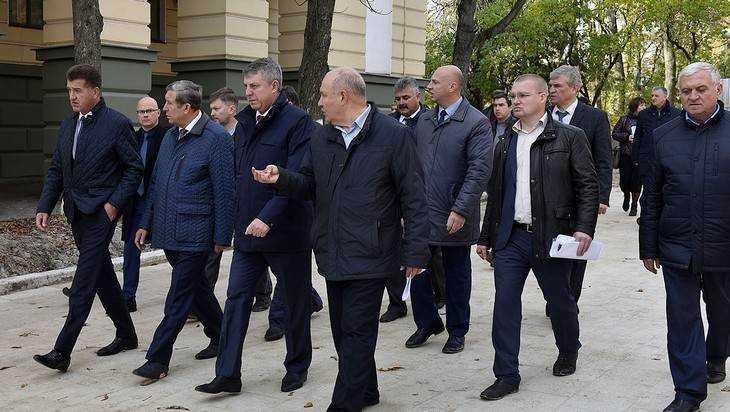 Брянский губернатор Богомаз оценил ход работ на бульваре Гагарина