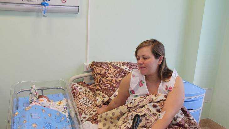 Минтруд предлагает давать подарок каждому новорожденному
