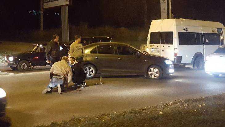 В Брянске на Городище столкнулись маршрутка и еще три автомобиля