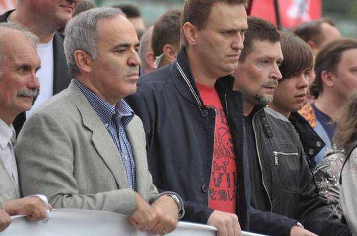 Брянцы Маслов и Куприянов нанесли удар по Навальному и хитрецам