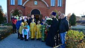 В брянском посёлке Комаричи освятили храм во Имя Святой Троицы