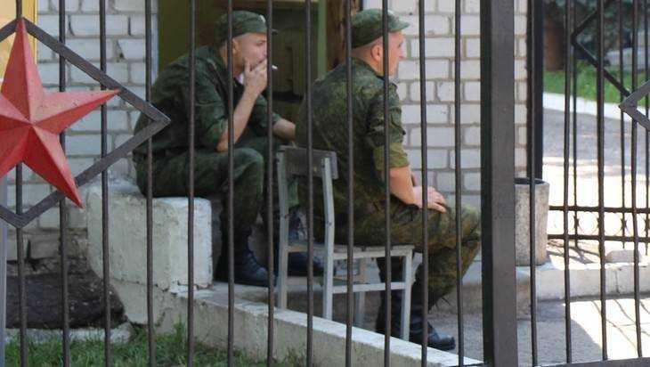 В Клинцах два солдата подорвались на патроне от противогаза