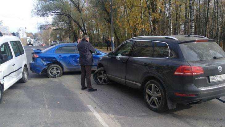 Известный брянский экс-чиновник Дмитрий Полещенко попал в ДТП