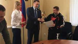 Михаил Иванов вручил награды брянским богатырям и бойцам
