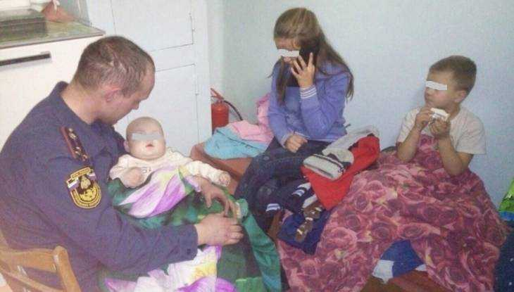 В Новозыбкове огнеборцы спасли из горевшей многоэтажки троих детей