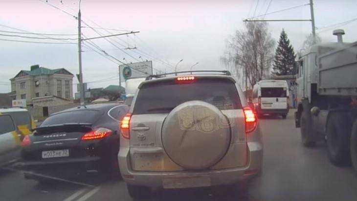 Брянцы одобрили наказание с помощью видео водителя Porsсhe