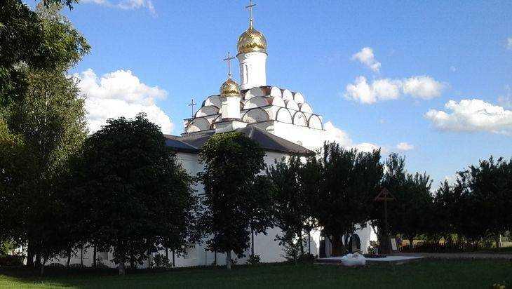 Брянский Свенский монастырь появился на серебряных монетах