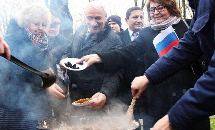 В Брянске в День народного единства сварили «Кашу дружбы»