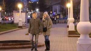 По обновленному Семеновскому скверу Брянска прошлись первые влюбленные