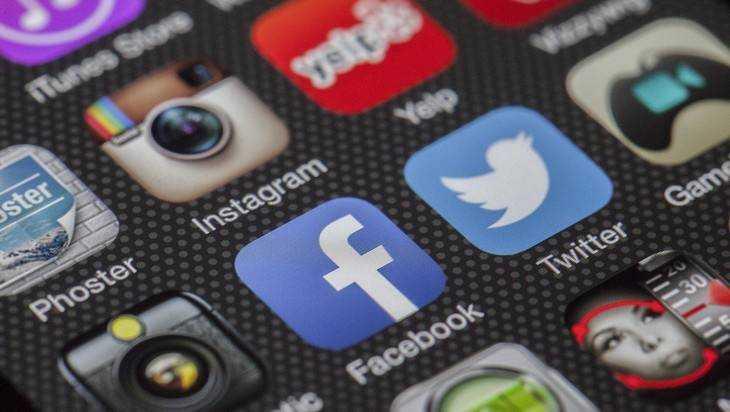 Facebook и Twitter выполнят требования Роскомнадзора